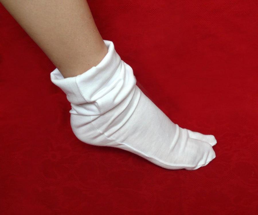 Фото в белых носочках фото